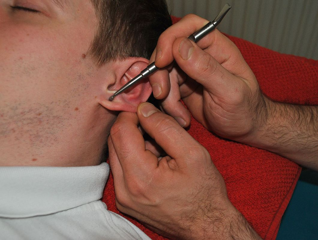 Ohr-Akupressur: Massage Nestelberger